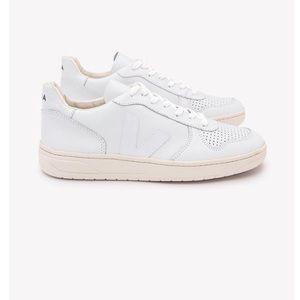 Veja v-10 White Sneakers